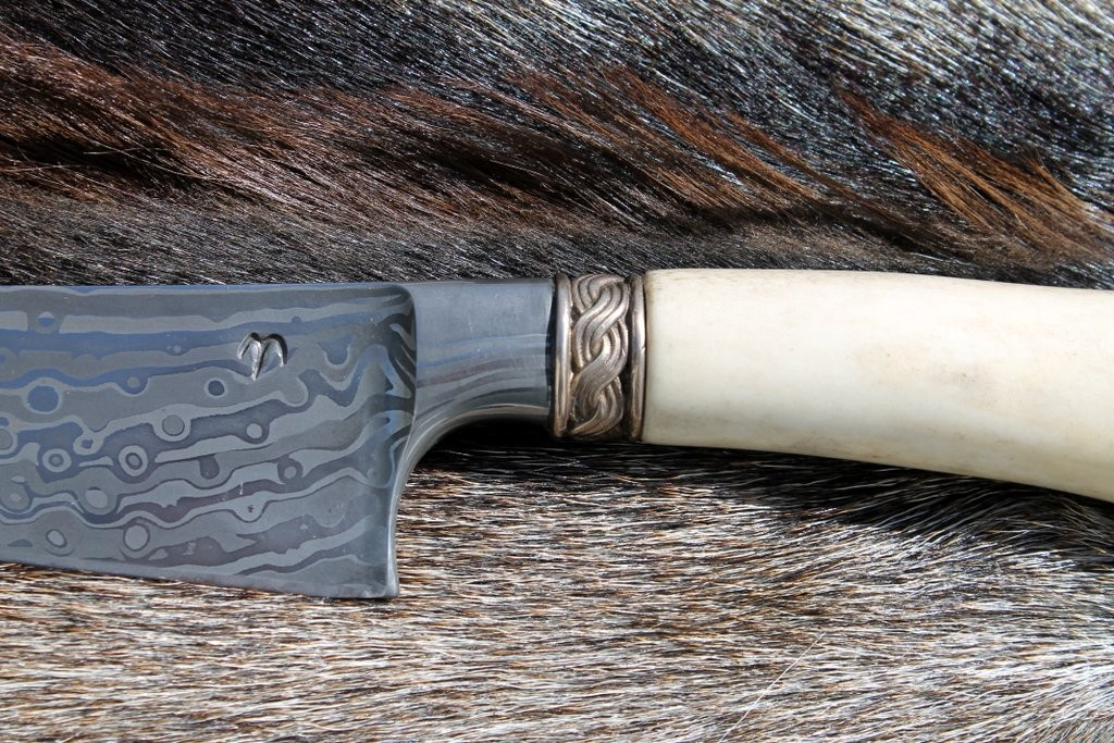 Nordisches Jagdmesser